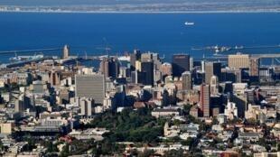 Ciudad del Cabo recibe a miles de turistas en la temporada de fin de año.