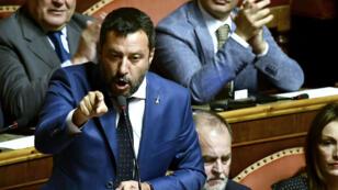 Le chef de file du parti la Ligue Matteo Salvini lors d'une prise de parole au Palais Madame où siège le Sénat, à Rome, le 13 août 2019.