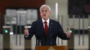 El presidente de Chile, Sebastián Piñera, pronuncia un discurso durante la inauguración de la Línea 3 del Metro de Santiago, Santiago, Chile, el 22 de enero de 2019.