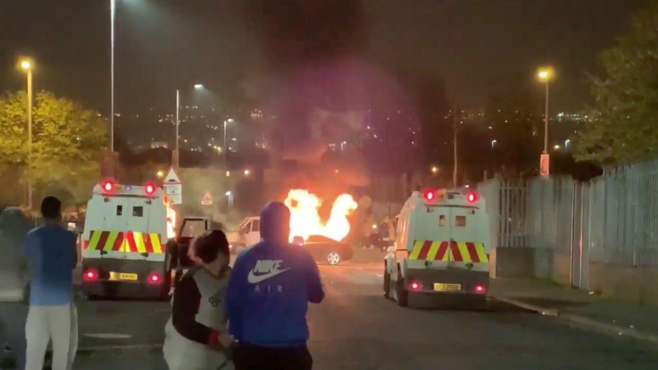 Disturbios en la ciudad de Londonderry, Irlanda del Norte, el 18 de abril de 2019.