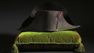 Quelque mille pièces étaient proposées lors de la vente par les études Osenat, Binoche et Giquello.