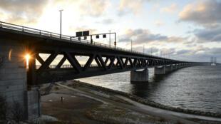 Le pont de l'Öresund, qui relie la Suède au Danemark, le 3 janvier 2016.
