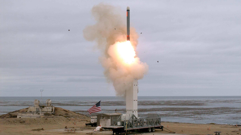 Prueba de vuelo de un misil de crucero lanzado en tierra en la isla de San Nicolás, California, EE. UU. , el 18 de agosto de 2019.