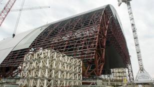 L'achèvement de la construction de la nouvelle chape du réacteur 4 de Tchernobyl est prévu pour 2017.