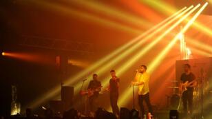Le groupe de rock libanais Mashrou'Leila sur la scène du festival du Printemps de Bourges en avril 2015.