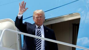 El presidente de EE. UU., Donald Trump, llega al aeropuerto internacional Charlotte Douglas en Charlotte, Carolina del Norte, EE. UU., El 31 de agosto de 2018.