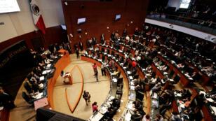Una vista general muestra al Senado durante una sesión para votar sobre la creación de un cuerpo policial, la Guardia Nacional, en la Ciudad de México, México, el 21 de febrero de 2019.