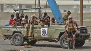 المعارك في الحديدة على أشدها بين الحوثيين والقوات الموالية للحكومة اليمنية
