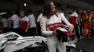 La piloto colombiana Tatiana Calderón reacciona tras conducir un coche de Fórmula Uno en el Autódromo Hermanos Rodríguez de Ciudad de México, México. 30 de octubre de 2018.