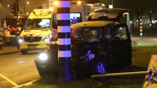 Foto del auto accidentando en el que viaja Sergio Agüero la noche del jueves.