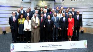 Cancilleres y representantes posan para una foto oficial en la Reunión de Ministros de Relaciones Exteriores del G20 en Buenos Aires, Argentina. 21 de mayo de 2018