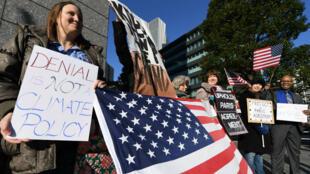 Aux États-Unis, les partisans de l'Accord de Paris lors d'une manifestation.