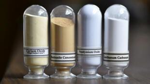 Des échantillons de cerium, bastnasite, néodyme and lanthanide qui proviennent de la seule mine de terres rares aux États-Unis