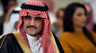 El multimillonario príncipe Al-Waleed bin Talal es uno de los detenidos por las autoridades de Arabia Saudita.