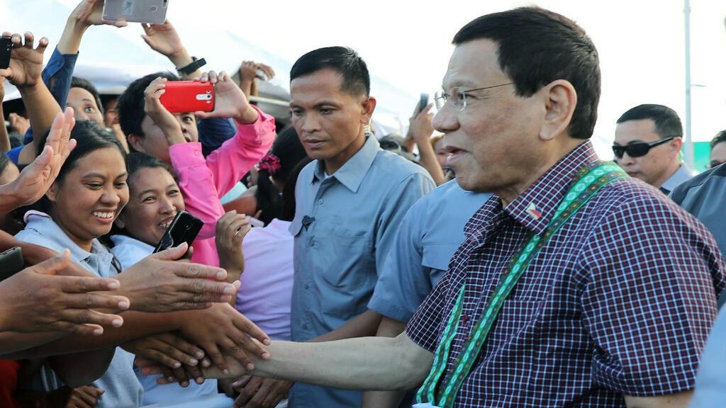 El presidente Rodrigo Duterte ha manifestado su deseo de que Filipinas abandone el organismo judicial a raíz de los señalamientos por su campaña antidrogas