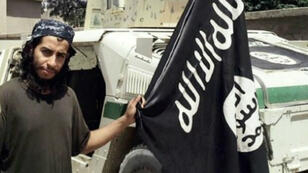 Capture d'écran d'une vidéo de propagande d'Abelhamid Abaaoud.
