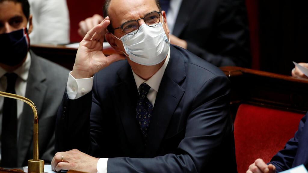 Avec ou sans masque dans les lieux publics clos : le casse-tête de l'exécutif