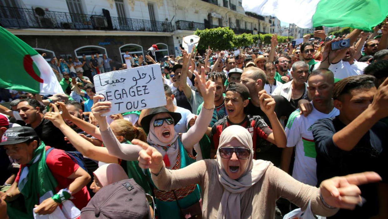 متظاهرون بالعاصمة الجزائرية شهر سبتمبر/أيلول 2019