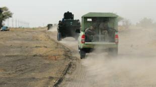 عناصر من قوات الجيش في نيجيريا في شمال ولاية بورنو. 5 حزيران/يونيو 2013.