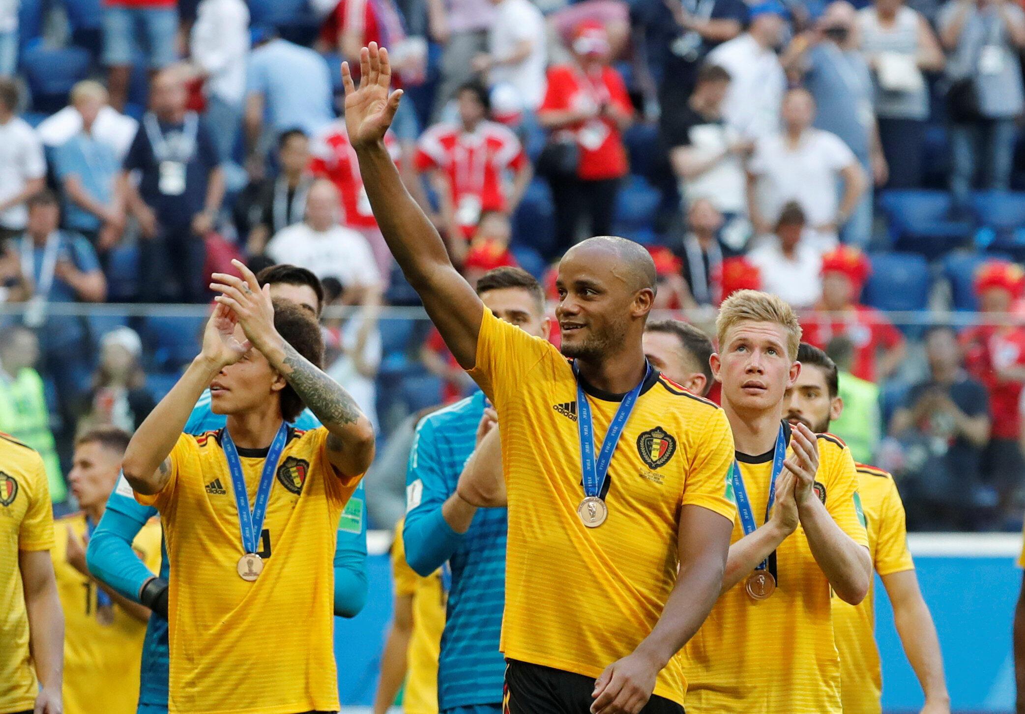Los 'Diablos Rojos' celebran tener colgada la medalla de bronce por primera vez en la historia.