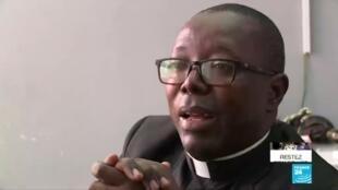 2020-06-04 11:08 Covid-19 en RD Congo : dans les rues de Goma, c'est désormais l'Église qui vient aux croyants