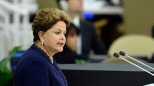 Dilma Roussef et le vice-président Michel Temer lors d'une cérémonie en octobre 2015.