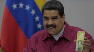 Fotografía cedida por la oficina de prensa de Miraflores, del presidente venezolano, Nicolás Maduro, durante una reunión de alto gobierno. Caracas 01/11/2017