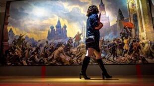 Exposición por el centenario de la Revolución – Obra: La tormenta de Kremlin, Pavel Sokolov-Skalya – Museo de Historia de Moscú