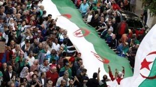 مظاهرات جديدة في الجزائر في الجمعة 36 من الحراك. 25 أكتوبر/تشرين الأول 2019.