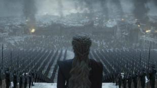 Emilia Clarke, quien da vida a Daenerys Targaryen, en una de sus últimas escenas en 'Game of Thrones'