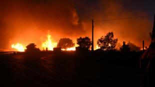 أدت الحرائق إلى إلغاء أو تأجيل أغلب الرحلات الجوية التجارية من مطار مرسيليا