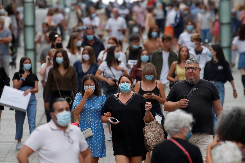 """""""Bien que restant à des niveaux limités, les indicateurs hospitaliers sont en augmentation, notamment dans les régions où la circulation virale est la plus intense"""", a souligné la DGS, le 28 août 2020."""
