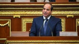 الرئيس المصري عبد الفتاح السيسي يلقي خطابا خلال حفل أداء اليمين الدستورية 2 حزيران/يونيو 2018