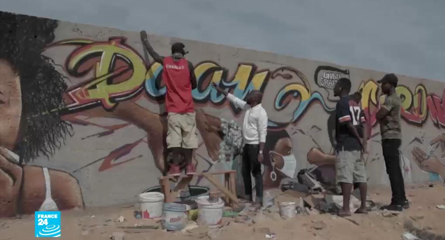 © السنغال لوحات جدارية للتوعية بمخاطر فيروس كورونا