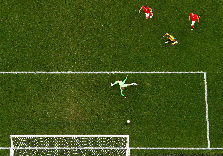 Rápidamente, al minuto cuatro, Thomas Meunier abrió el marcador para el equipo belga conocidos también como: 'Diablos Rojos' con un ataque a velocidad que solo contó con cuatro toques de los jugadores.