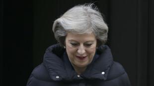 La Première ministre britannique, Theresa May, à la sortie de Downing Street, le 11 janvier.
