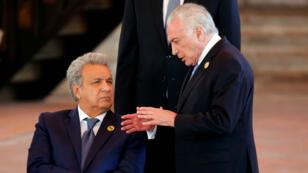 El mandatario ecuatoriano, Lenín Moreno, junto al presidente brasileño, Michel Temer, durante la XXVI Cumbre Iberoamericana en Antigua, Guatemala, el 16 de noviembre de 2018.
