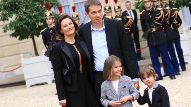 Emmanuel Macron's stepson Sébastien Auzière and his family arrive at the handover ceremony, Elysée Palace, Paris, May 14, 2017.