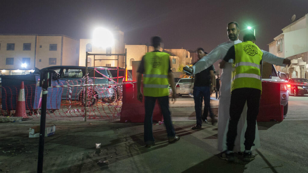 تعزيز إجراءات الأمن قرب المسجد الذي يقتاده الشيعة في حي الكوثر بمدينة سيهات (القطيف).