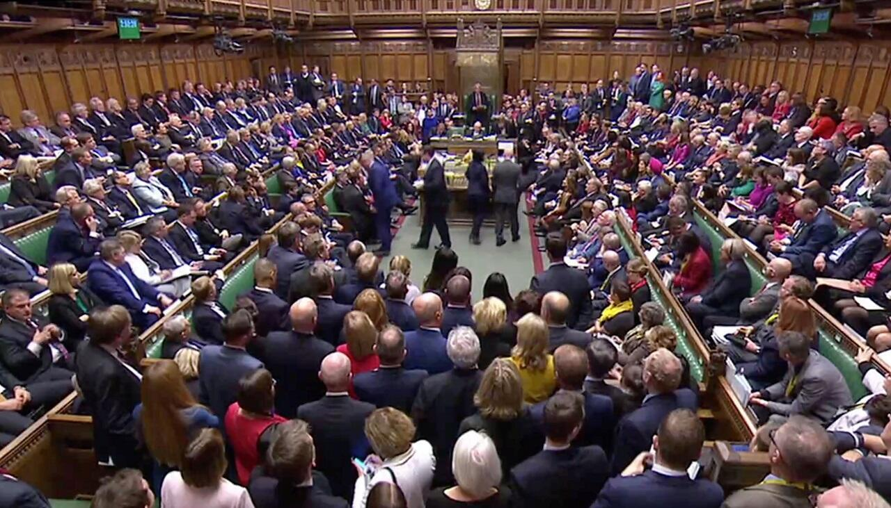 Vista general de la Cámara de los Comunes después del anuncio del resultado de la votación sobre el retraso del acuerdo mientras el Parlamento discute el Brexit, que sesionó un sábado por primera vez desde la Guerra de Malvinas de 1982, en Londres, Gran Bretaña, el 19 de octubre de 2019