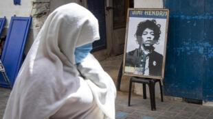 Un portrait du guitariste Jimi Hendrix dans une rue de Essaouira, le 10 seoptembre 2020