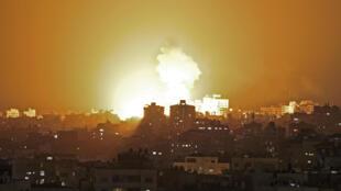 غارات اسرائيلية تستهدف غزة ليلا