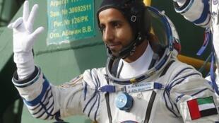 رائد الفضاء الإماراتي هزاع علي المنصوري على متن مركبة الفضاء سويوز قبل انطلاقها، 25 سبتمبر/ أيلول 2019.