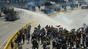 100 personnnes sont mortes au Venezuela depuis le début des manifestations contre le gouvernement.
