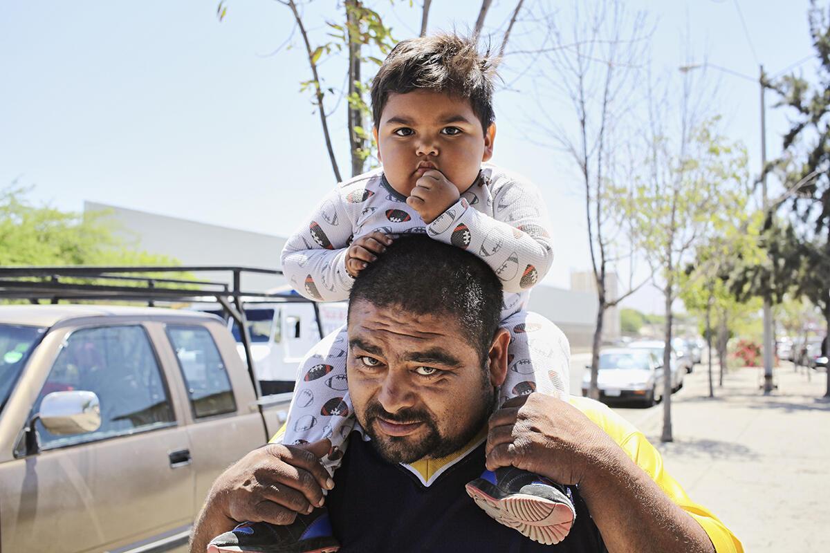 Beaucoup de migrants sont des familles fuyant désespérément le danger.