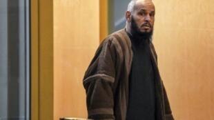 الإمام الجزائري الهادي دودي قصر العدالة بمرسيليا في 8 شباط/فبراير 2018