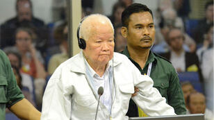 """L'ancien chef de l'État du """"Kampuchéa démocratique"""" Khieu Samphan, 87 ans, lors du prononcé du verdict."""
