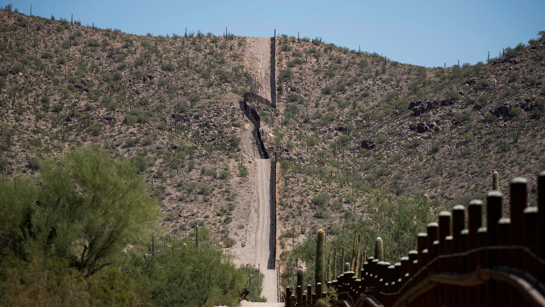 La frontera de EE. UU. Y México se ve cerca de Lukeville, condado de Pima, Arizona, EE. UU., 11 de septiembre de 2018.