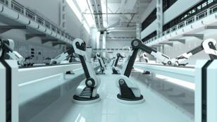 """La """"taxe robot"""" est défendue en France par le candidat à la présidentielle française, Benoît Hamon."""