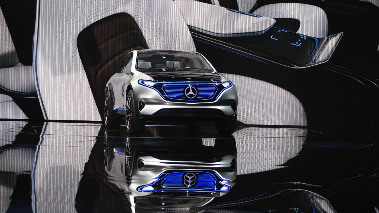 Le SUV électrique Generation EQ de Mercedes-Benz présenté au Mondial de l'Automobile à Paris, le 29 septembre 2016.